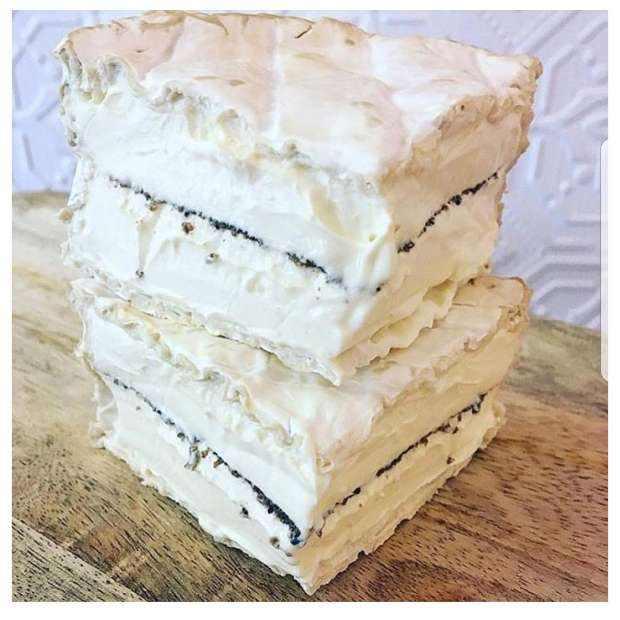 Creme de Bourgogne a la Truffe Cheese