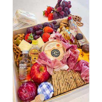 Boozy Luxury Cheese Platter - 5/6 pax