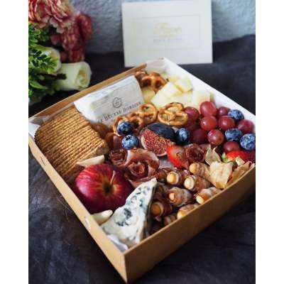 Lush Luxury Cheese Platter - 2/3 pax
