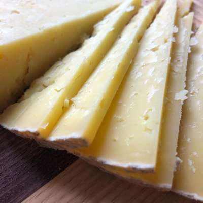 Vega Manchego Curado Cheese