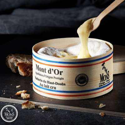 Mons Fromager Vacherin Mont d'Or Cheese